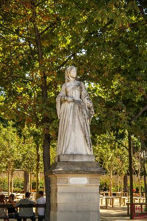 Luxembourg Gardens Paris - statue 6