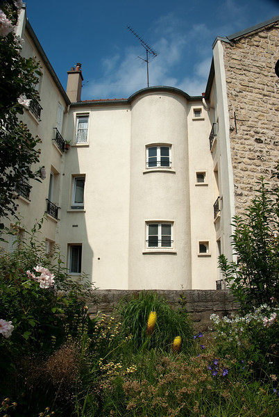 The Promenade Plantée, Bastille to Jardin Reuilly - view of adjacent apartments