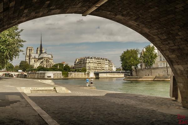 Best spot to photograph Notre Dame from: under Pont de la Tournelle, Paris 2