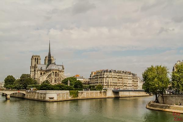 Best spot to photograph Notre Dame from: from Pont de la Tournelle, Paris
