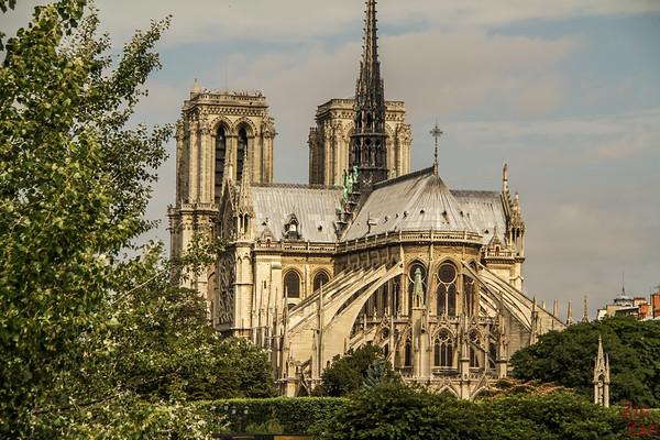 Best spot to photograph Notre Dame from: from Pont de la Tournelle, Paris 2