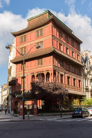 La galerie de C T Loo et Compagnie - mandarin pagoda in Paris which houses a collection of Asian artefacts