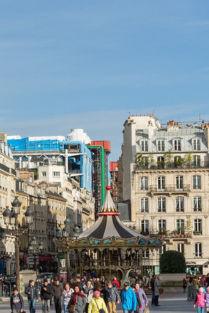 Rue de Rivoli with Centre Georges Pompidou in the background