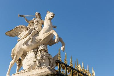 Place de la Concorde statue