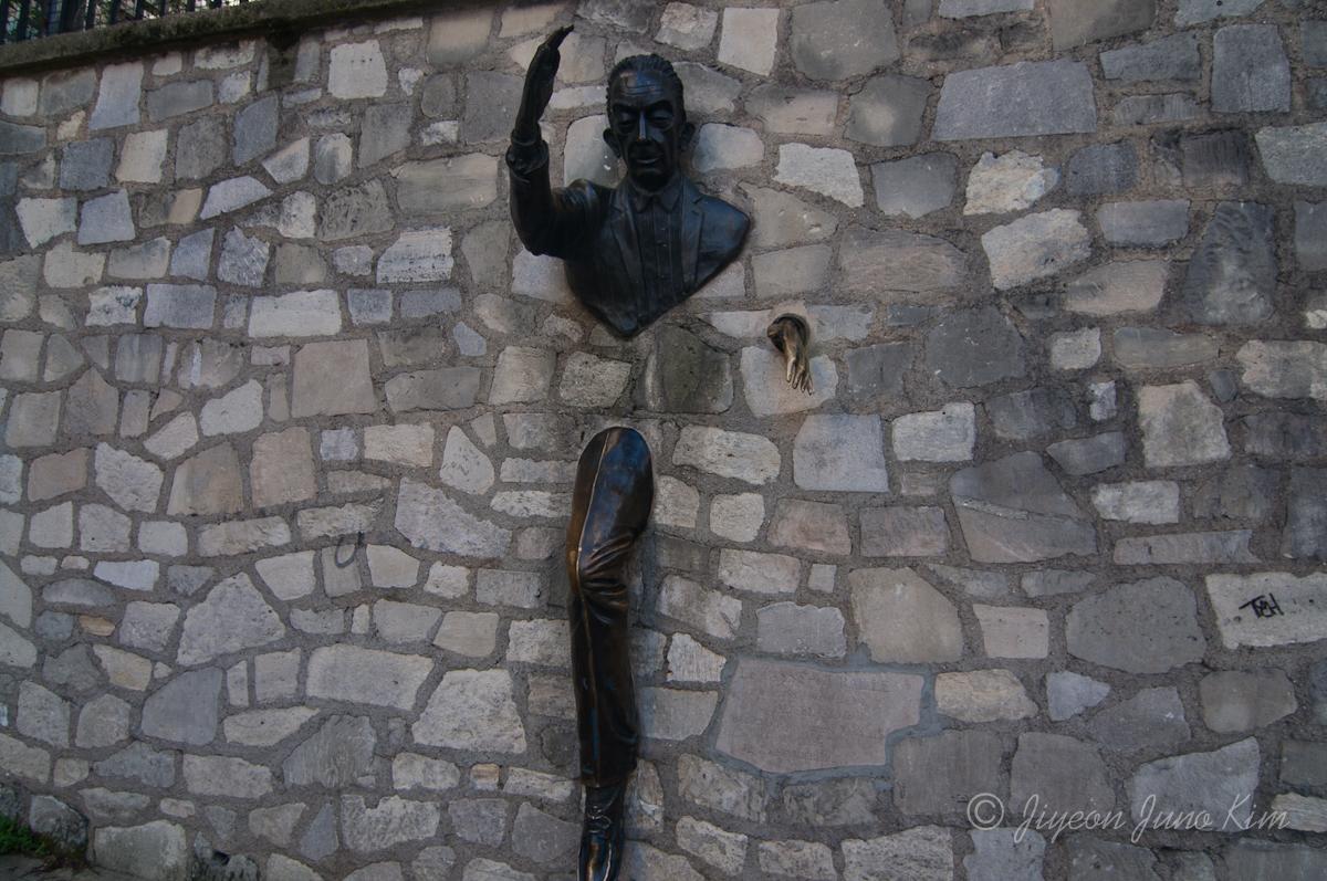 Marcel Aymé: The Walker-Through-Walls