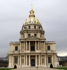 Place des Invalides This magnificent 17th-century domed structure was constructed under the direction of Louis XIV (the Sun King), to shelter old and wounded soldiers and is also the site of Napoleon's tomb.