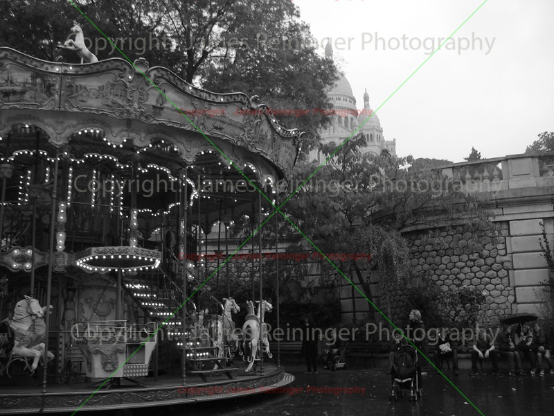 Merry Go Round<br /> Montmartre<br /> Paris, France