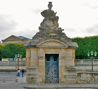 Statue created by Jacques Ignace Hittorff, representing the French city of  Strasbourg.