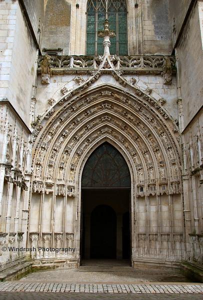 081 Cathedrale de St-Pierre, Saintes