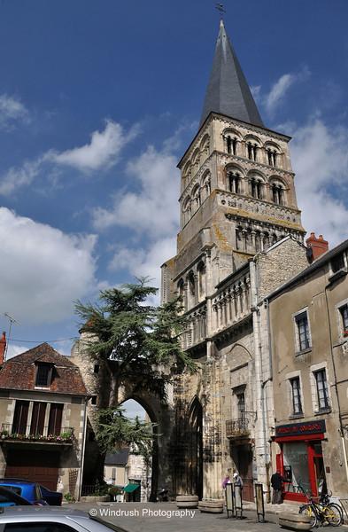 203 Bell tower of priory church (Église Sainte-Croix-Notre-Dame), La Charité-sur-Loire