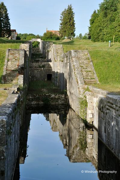 168 Rogny-les-Sept-Ecluses