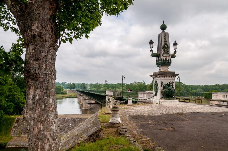 215 Canal Bridge, Briare