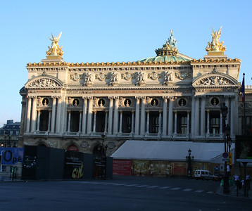 Paris Opéra - I would have loved to have a look inside - unfortunately we were there too early and didn't have time to come back.