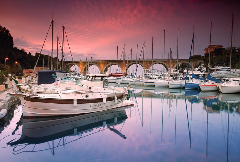 <b>Port de la Rague @ Théoule sur Mer (French Riviera)</b> <i>Canon EOS 5D Mark II + Canon EF 17-40mm f/4L USM</i>