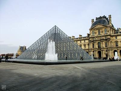 Paris | La Pyramide du Louvre