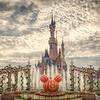 <b>Sleeping Beauty Castle - Disneyland (Paris)</b> <i>Canon EOS 5D Mark II + Canon EF 24-70mm f/2.8L USM</i>