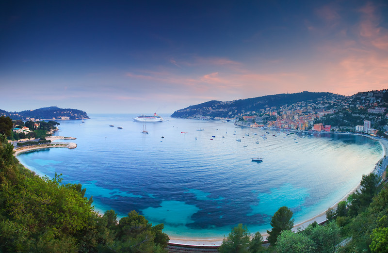 <b>Sunset @ Villefranche sur Mer (French Riviera)</b> <i>Canon EOS 5D Mark II + Canon EF 17-40mm f/4L USM</i>