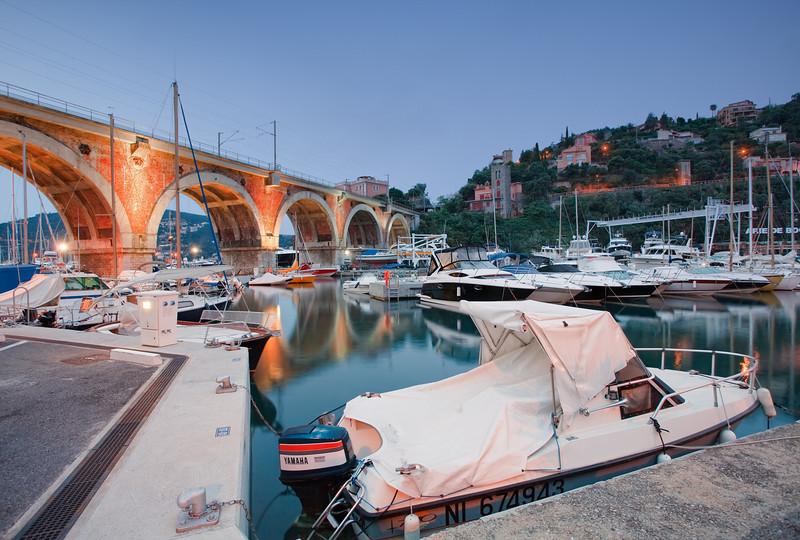 <b>Port de la Rague @ Théoule sur Mer #2 (French Riviera)</b> <i>Canon EOS 5D Mark II + Canon EF 17-40mm f/4L USM</i>