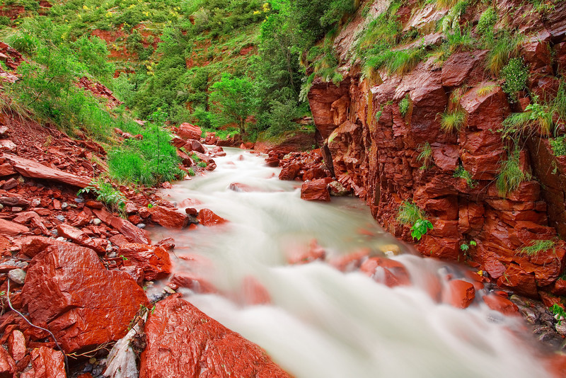 <b>Les Gorges du Cians (French Riviera)</b> <i>Canon EOS 5D Mark II + Canon EF 17-40mm f/4L USM</i>