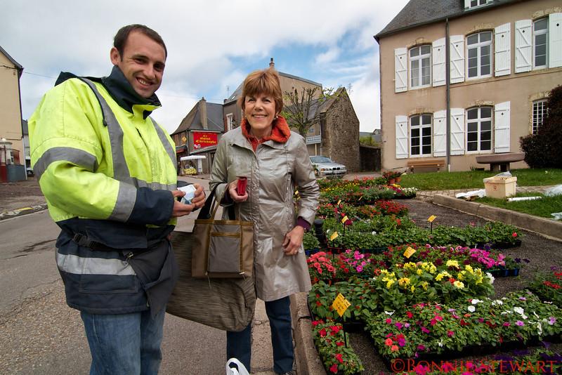 Carol Gardyne and the plant man
