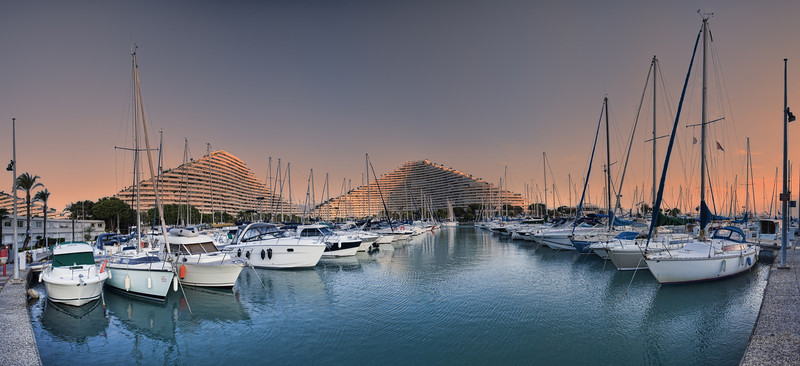 <b>Marina Baie des Anges @ Villeneuve-Loubet #2 (French Riviera)</b> <i>Canon EOS 5D Mark II + Canon EF 17-40mm f/4L USM</i>