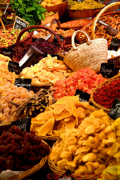 Dried fruit in the market