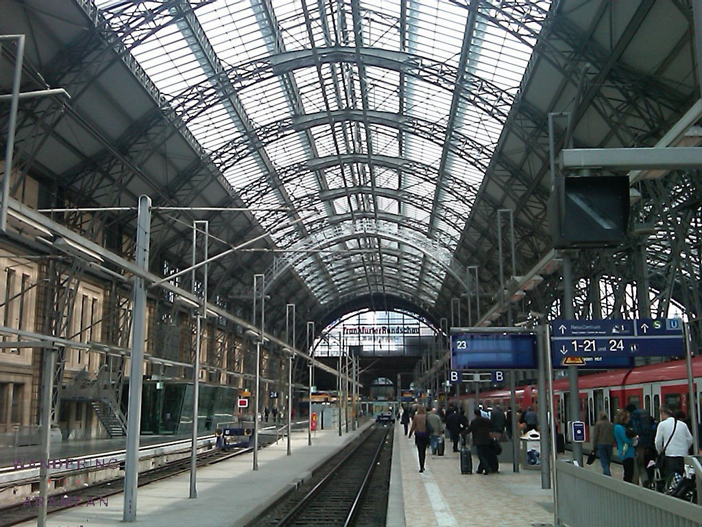 Hanging out in the Frankfurt Hauptbahnhof