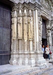 Amiens sculpture art
