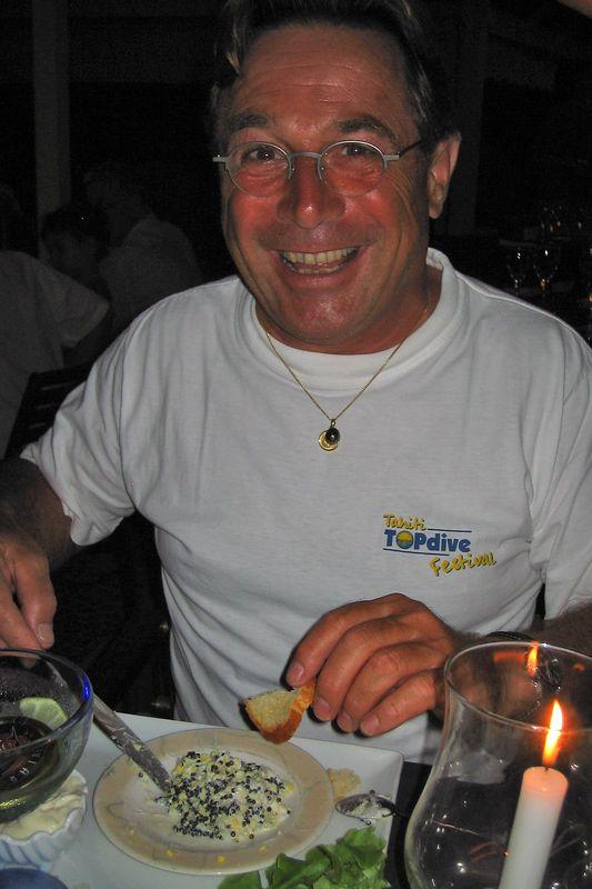 Lucien Schmidlin demonstrates his creative method for eating caviar (Casablanca, Tahiti)