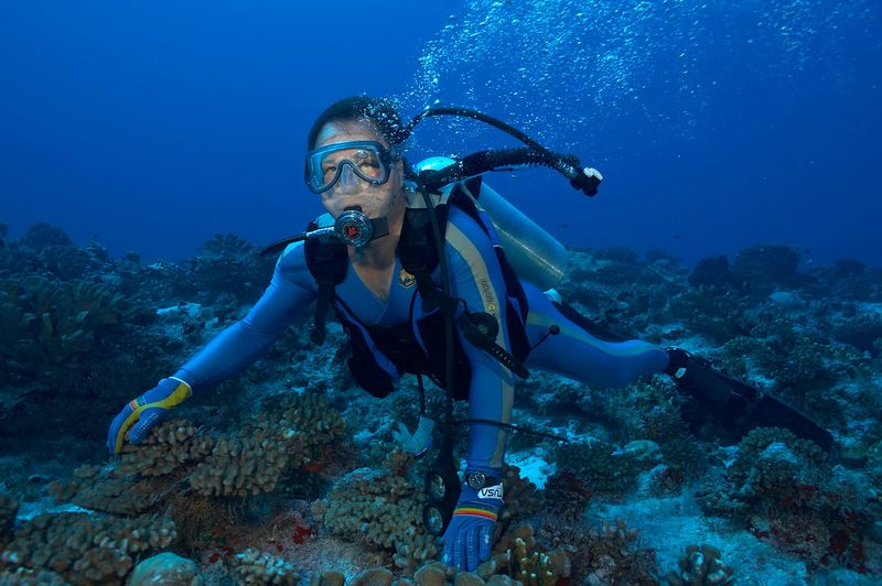 Patrice Richard, underwater (Fakarava - North Pass Drift)
