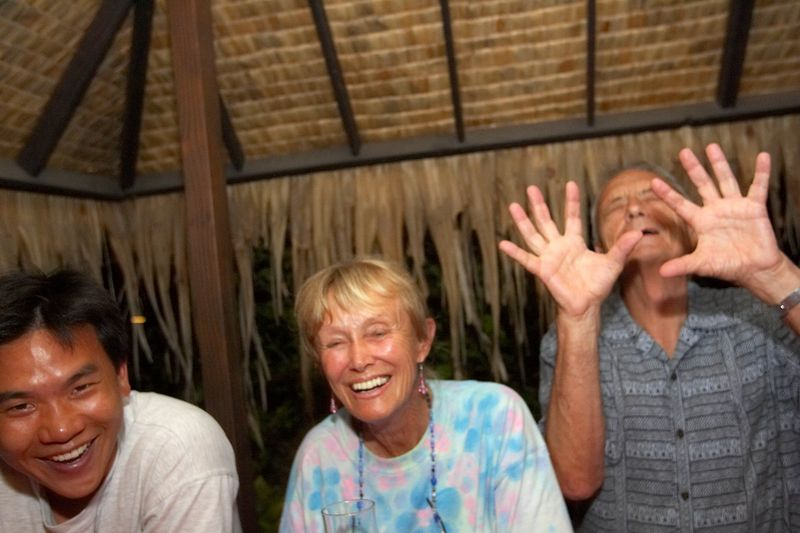 Eric Cheng with Valerie and Ron Taylor (Moorea - Hibiscus Hotel) photo: Douglas Seifert