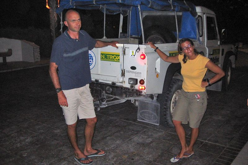 TOPdive staff Stephane and Natalie, Rangiroa