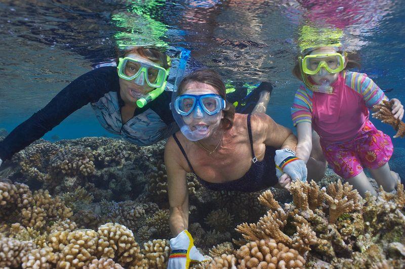 Jenny Cornish, Marti Georgeff and Kimberly McDowell (Fakarava - South Pass Resort)