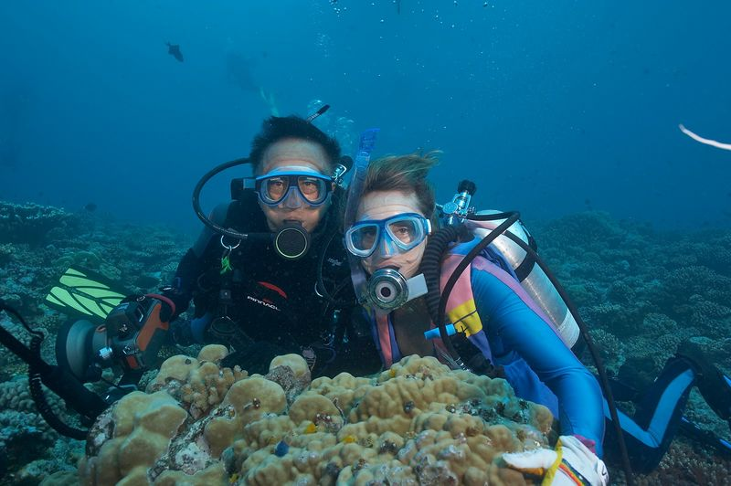 Jerry Watanabe and Marti Georgeff (Moorea - Misc Diving)