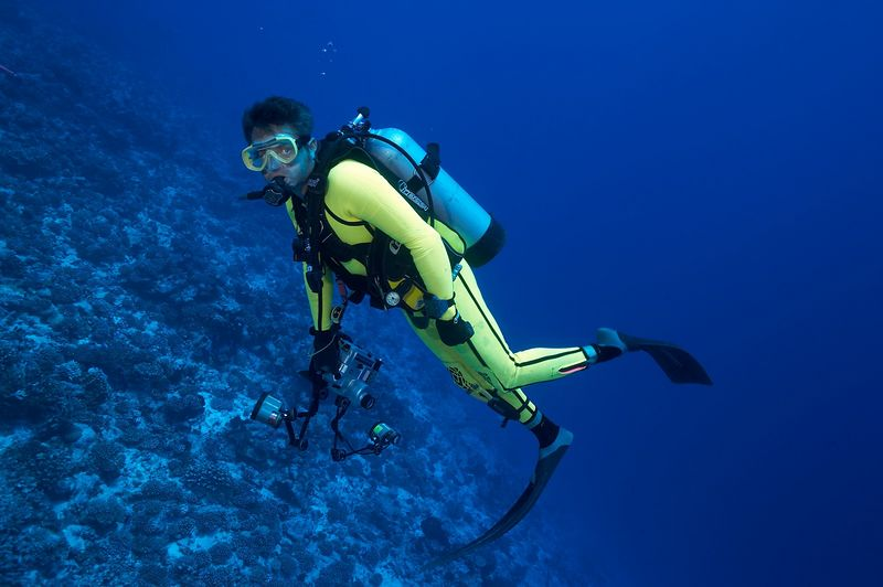 Douglas Seifert with his underwater camera (Rangiroa - Avatura Pass Corner)