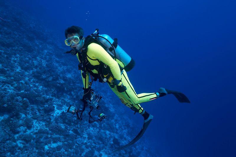 Douglas Seifert with his underwater camera (Rangiroa - Avatura Pass Corner)