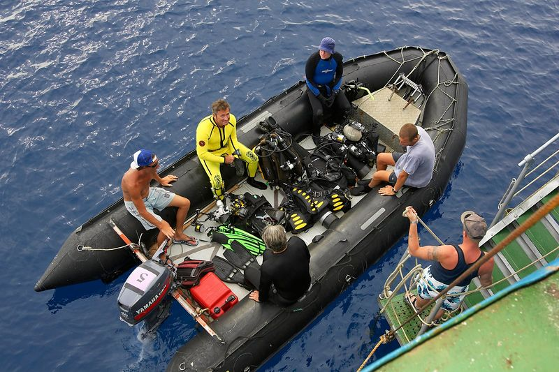 Loading up the zodiac for a dive: Douglas Seifert, Remy, Ken Howard, Steve Algar, Guy de la Valdene (Boat - Akademik Shokalskiy)