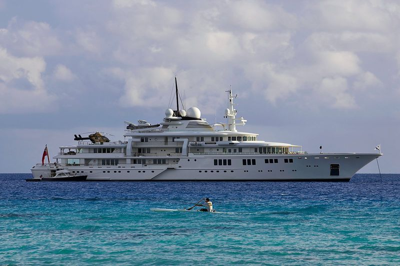 The Tatoosh megayacht, owned by Paul Allen (Rangiroa)