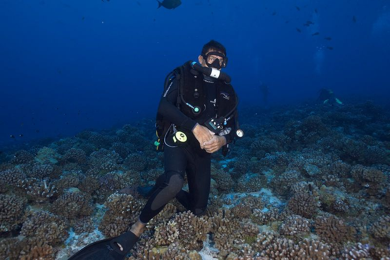 Pierre Tricottet, on an Inspiration rebreather (Tikehau - Shark Hole)