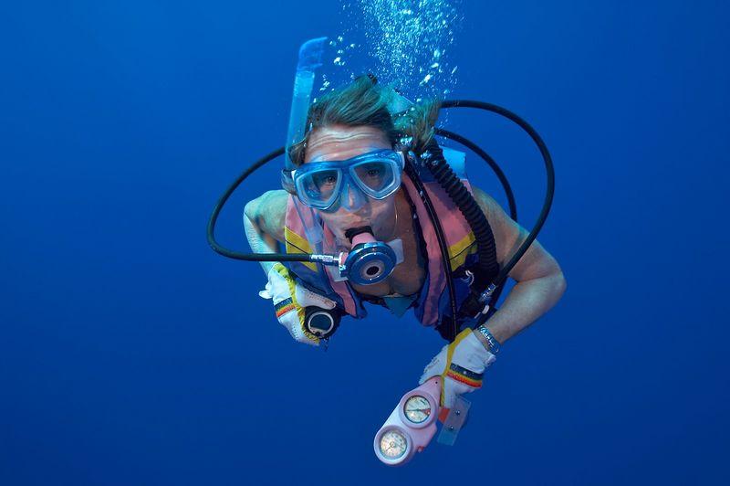 Marti Georgeff, underwater (Toau - Corner and Pass)