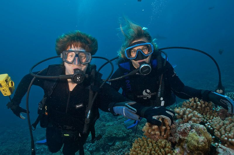 Kathy Cunningham and Pat Hamilton (Moorea - Misc Diving)