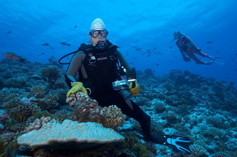 Chuck Ott with his camera (Rangiroa - Avatura Pass Corner)