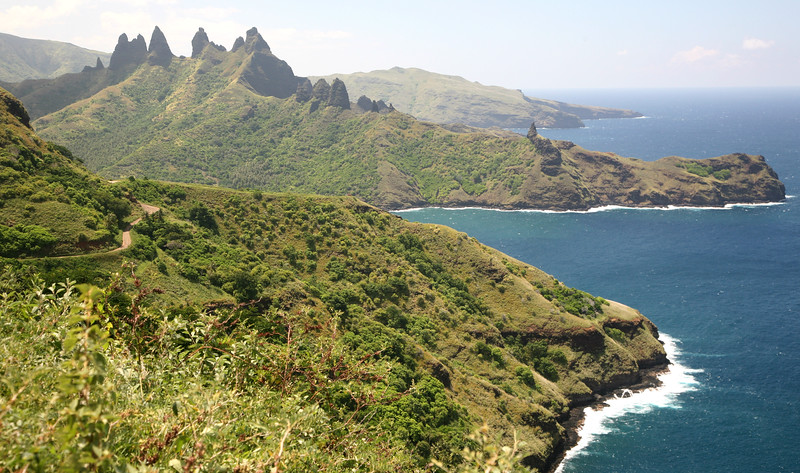 Anakapa Peninsula on the north coast looks like  a dinosaur.