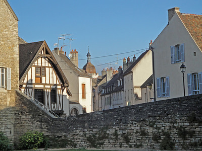 Sept. 14: Beaune, Tornus, Chateau Pierreclos