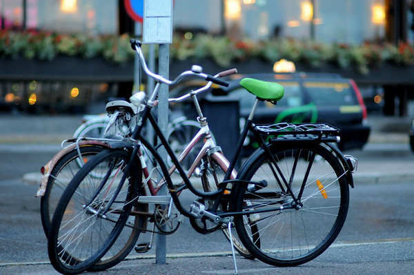 Is this a Danish army (Swedish army?) bike.  Maybe it is just Dutch oma fiets.