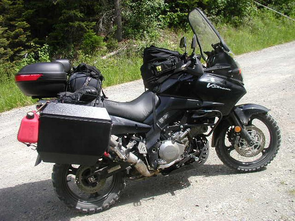 The bike all loaded to go....the next few shots highlight  different parts...with the bike rigged this way, it was very comfortable, and handled as well a a bike with a fat boy and 60 lbs. of gear strapped to it could....it's an adventure tourer, ya see.....
