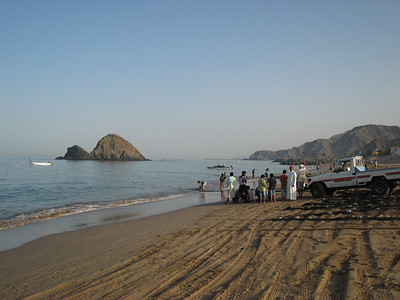 At Fujairah. Getting ready to haul the fishing net in.