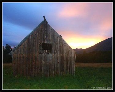 """GLENORA  SUNSET"", old shack, Glenore Guest Ranch, B.C.,Canada-----""ZAPAD SLUNCE V GLENORE"",stara kulna ,Glenora guest ranch,B.K.,Kanada."