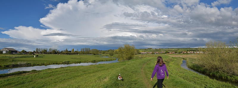 Great walking along the river south of Lincoln under a big Lincolnshire Sky!