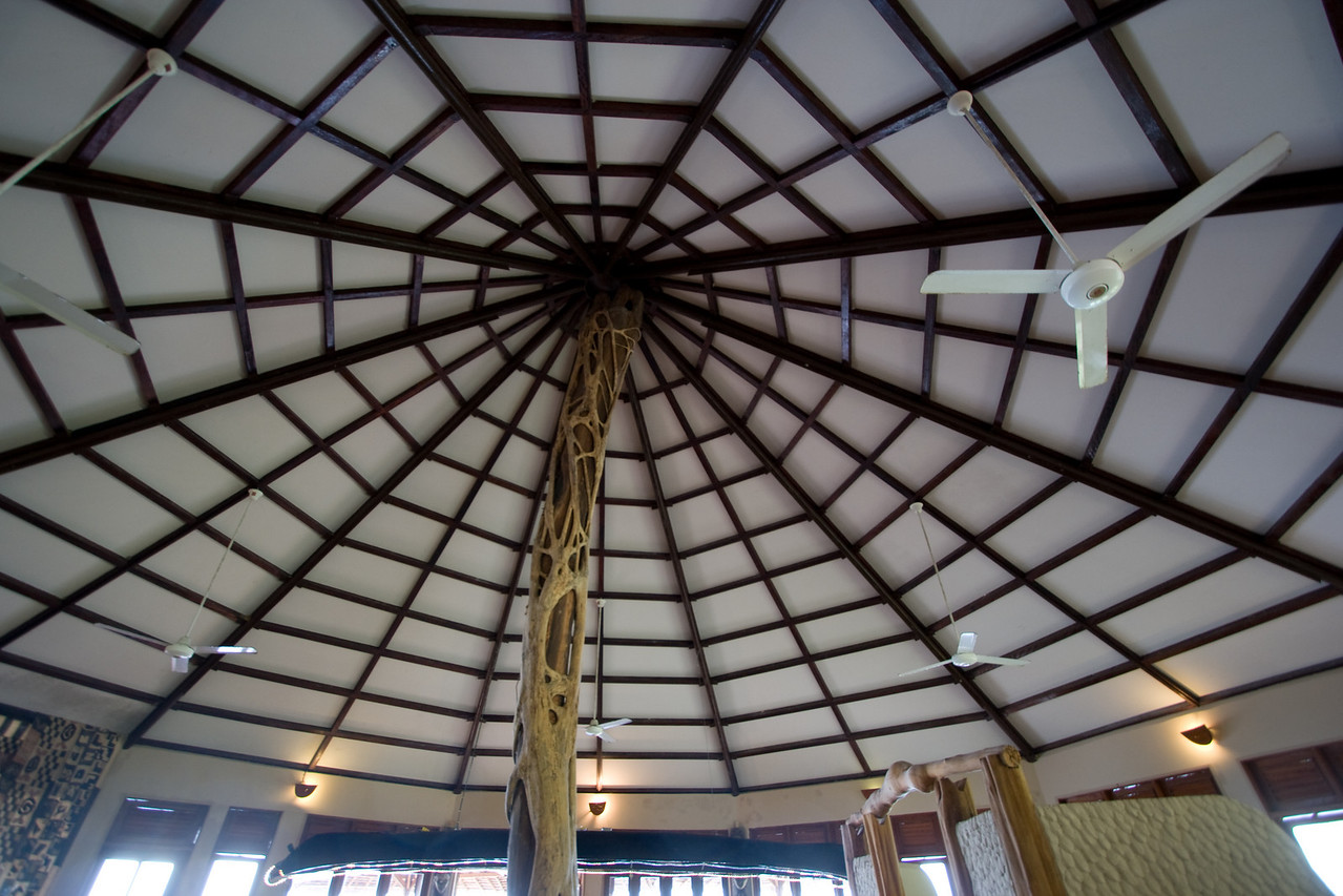 The ceiling of the Loango Lodge.